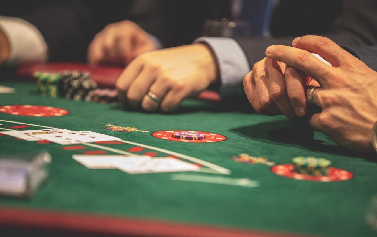 Play Infinite Blackjack Online